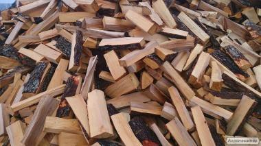 Продам дрова колотые ясен,дуб с доставкой