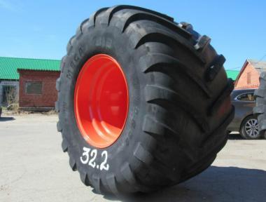 Шина Michelin 1050/50 R 32 з диском