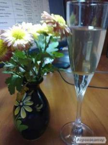 Натуральное белое виноградное вино