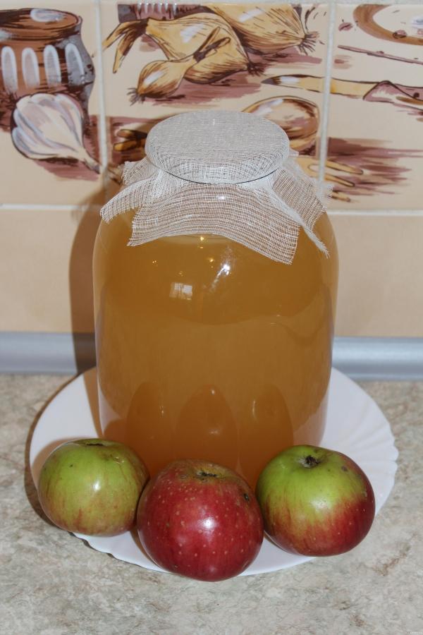 Домашний яблочный уксус на мёде.