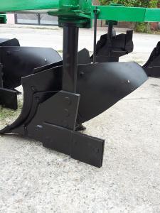Плуг ПБЛ 3-35 на високій стійці - проізволітель ПП Лава