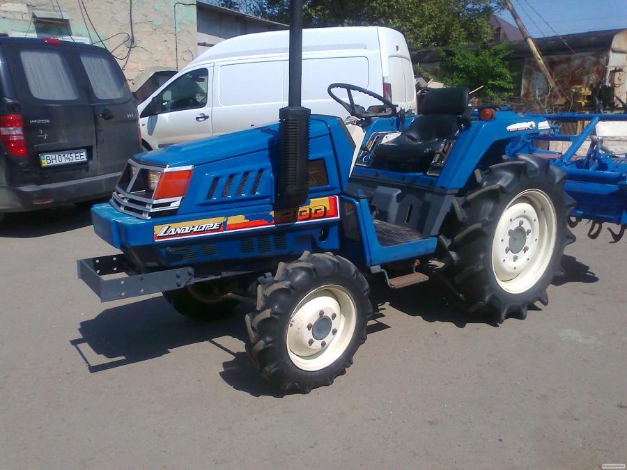 Японський міні-трактор ISEKI TU200