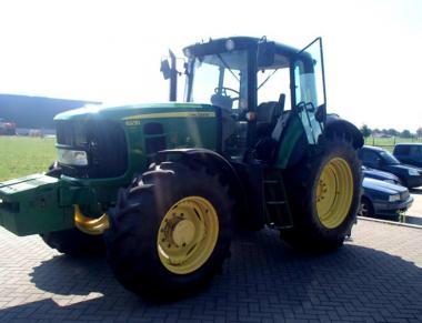 Трактор John Deere 6930 (2010)