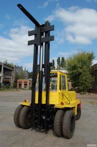 Навантажувач вилковий львівський 5 тон