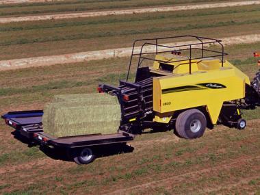 Прес-підбирач Challenger LB33B-44B