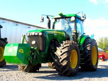 Трактор John Deere 8320 (2004)