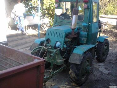 Продам трактор с дополнительным оборудованием