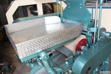 Косточковыбивная машина для видалення кісточки з фрукта