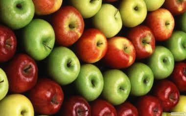 Продаем яблоки. В наличии различные сорта, в большом количестве.