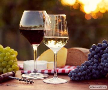 Продам авторское домашнее вино белое и красное Бессарабии