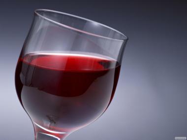 Домашнее красное полусладкое вино