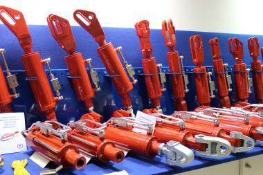 Ремонт гідроциліндрів екскаваторів,навантажувачів,сільгосптехніки