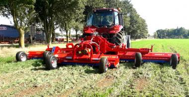Измельчитель пожнивных остатков кукурузы, подсолнечника Cuneo P 920 (2018)
