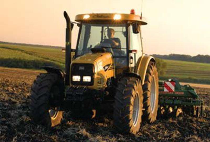 Трактор Challenger MT455B-4RM