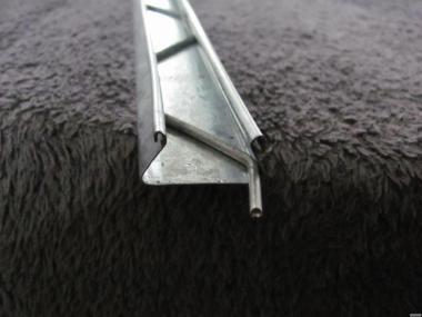 Прфиль зигзаг для кріплення плівки на теплиці.