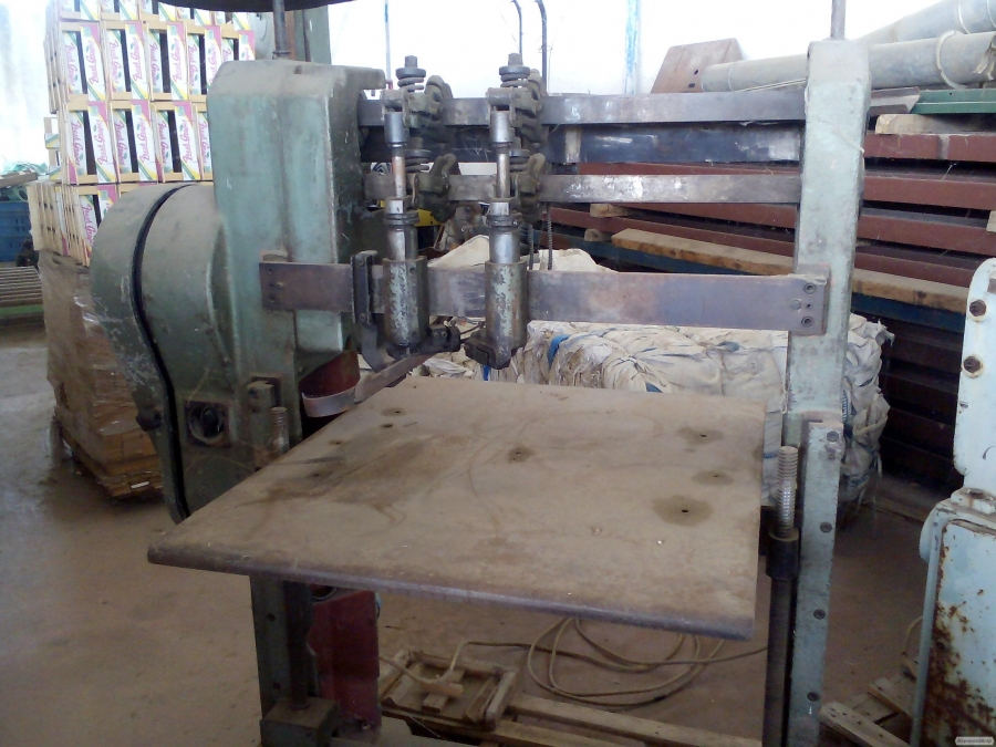 Верстати Corali, Angelo Cremona, Enri, для виробництва дерев'яного ящика