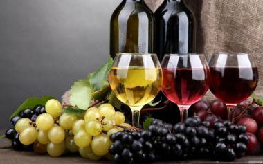 Домашнее вино, красное, белое, розовое.