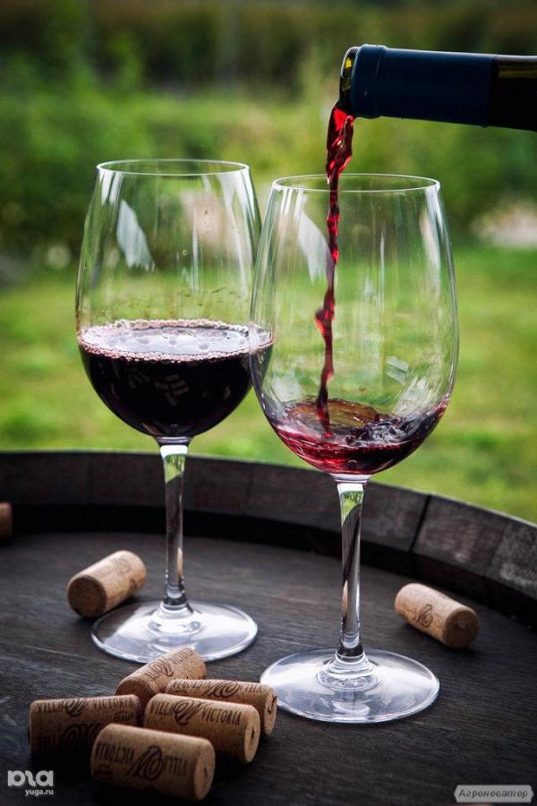 Реализуем вино заводское от 28 грн.