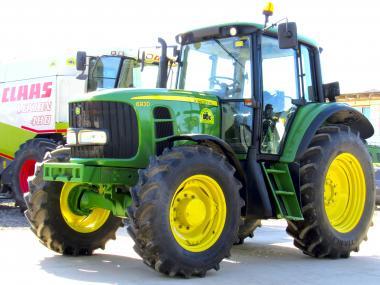 Трактор John Deere 6930 (2009)