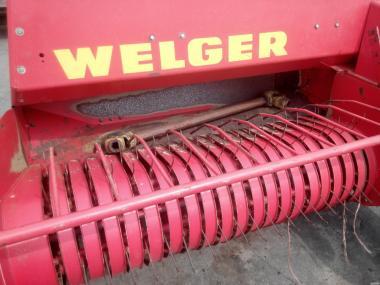 Прес-підбирач тюковий Welger AP-42