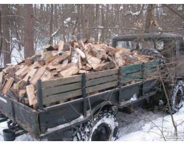 Сухі дрова з дуба та акації (щільно укладені)