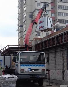 Вантажоперевезення авто з краном-маніпулятором