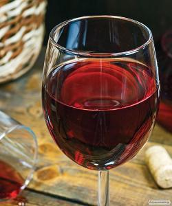 Продам домашнє вино Одеський чорний 50% + Зайбель 50%
