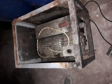 Вакуумная машина напольная