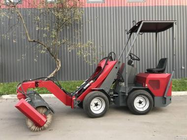 Погрузчик (мини-трактор) ТІ-САR