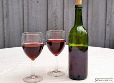 Домашнее вино. Полусладкое.