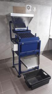 Автоматизована лінія для переробки волоського горіха