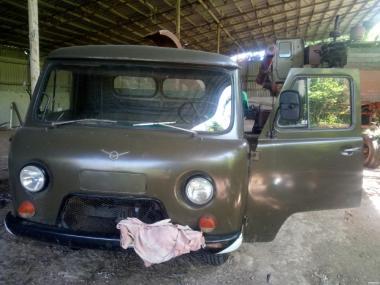Продам автомобиль УАЗ 3303 01