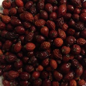 Плоди шипшини з Закарпаття (сухі)