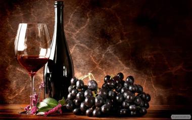 Вино красное сухое Изабелла закарпатских виноградников
