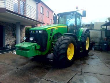 Трактор John Deere 8230 (2008)