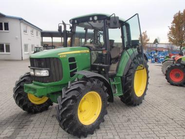 Трактор John Deere 6230 (2007)