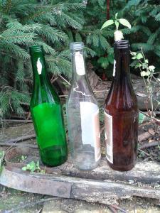 Стеклянная бутылка для вина