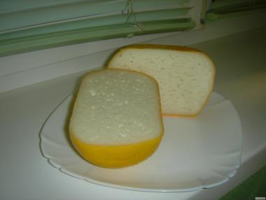 Сир твердий і напівтвердий з козячого молока
