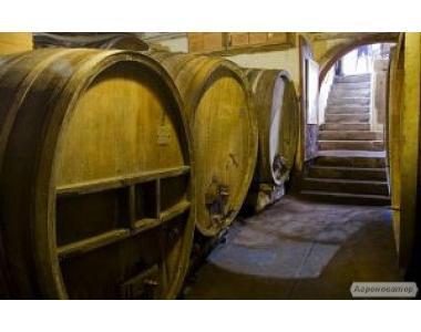 Продам домашнє червоне вино дуже хорошої якості.