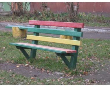 Элементы детской площадки: скамейки