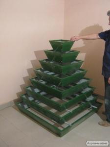 Пирамиды под клубнику