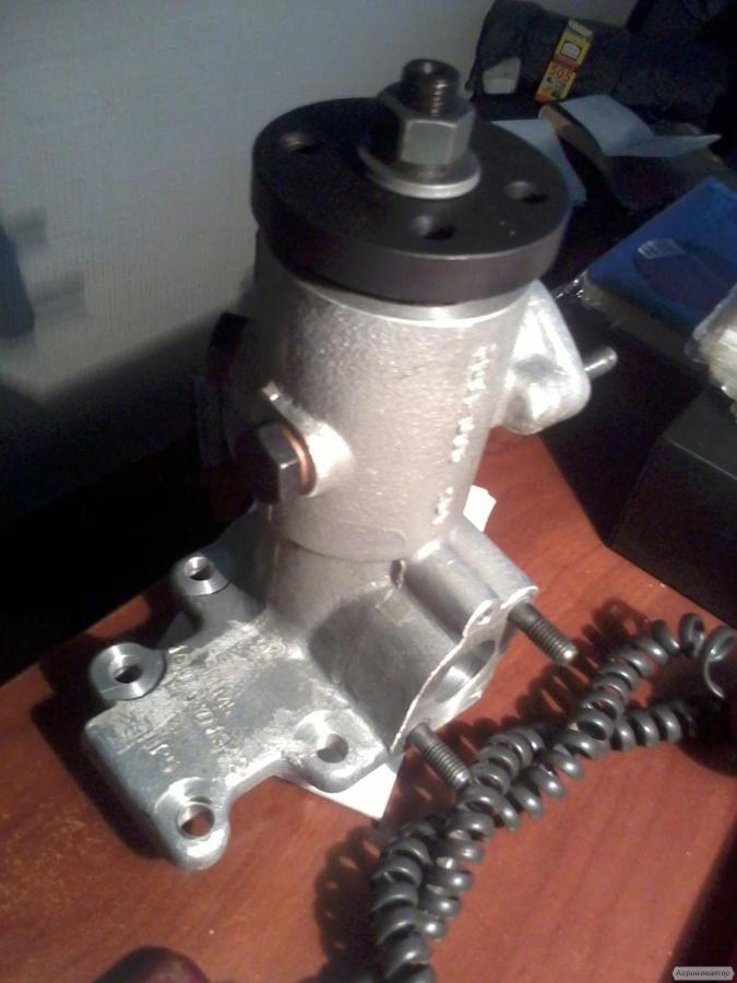 Помпа до двигуна СМД-900 СМД-1800, Прикарпатець 16403301942.