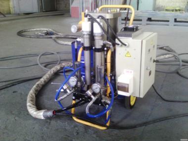 Установка для литья ППУ ульев