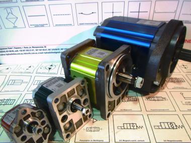 Гідронасос Claas - насоси шестеренні Vivoil, Bosch, Casappa, Parker, Sauer Danfoss, Marzocchi для тракторів