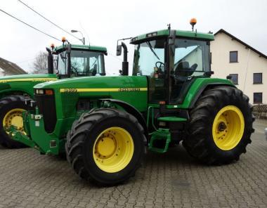 Трактор John Deere 8400 (1997)