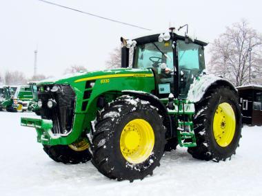 Трактор John Deere 8330 (2007)