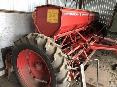 Сеялка зерновая рядовая СЗ-3,6А ( сіялка зернотукова) практически нова