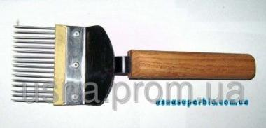 Вилка для распечатки сот с прямой иглой (нержавейка, пластмассовая вставка, деревянная ручка)