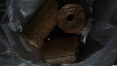 Топливные брикет Пини-Кей из соломы