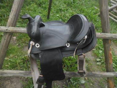 Продам седло для лошади!
